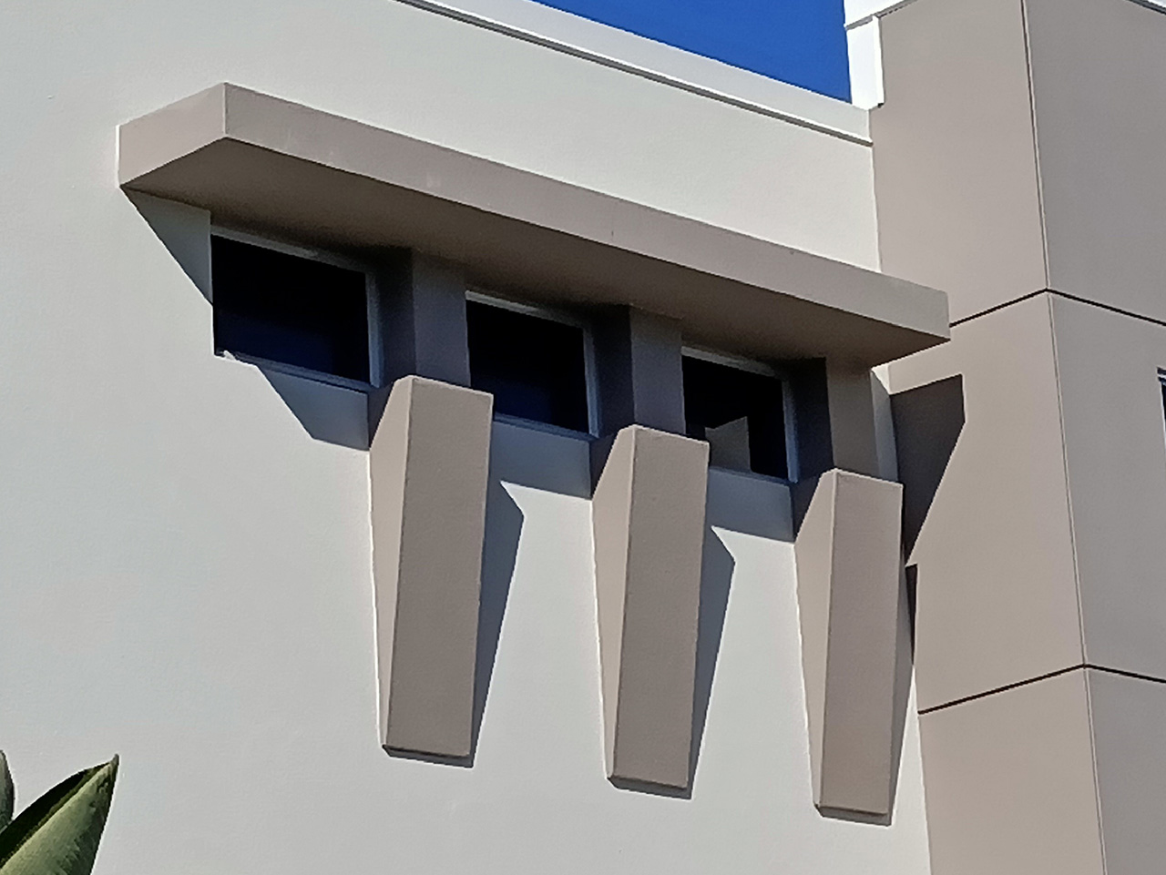 window sunhood building features and blades gold coast brisbane