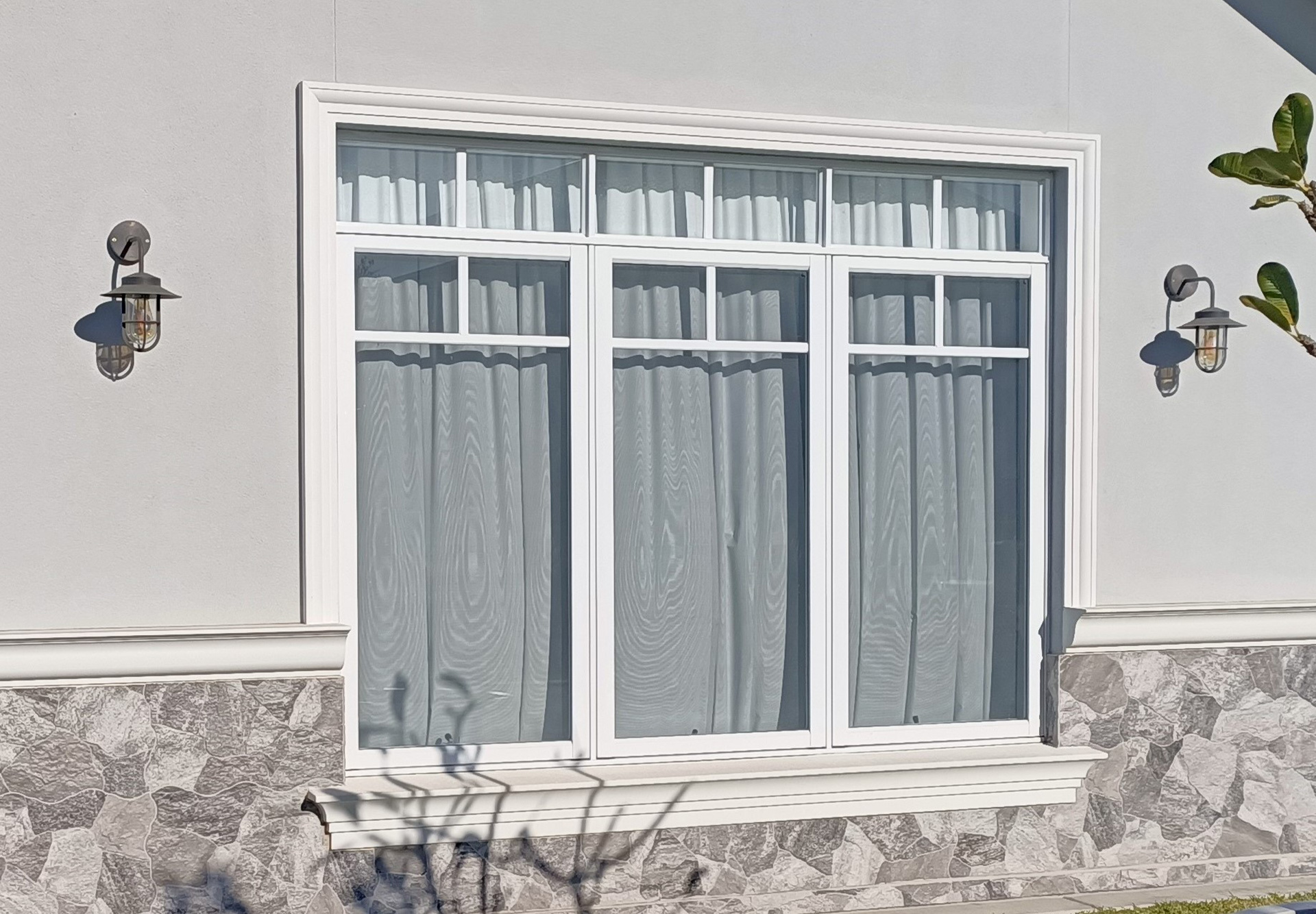 External moulded architraves and sills for windows and doors gold coast Australia