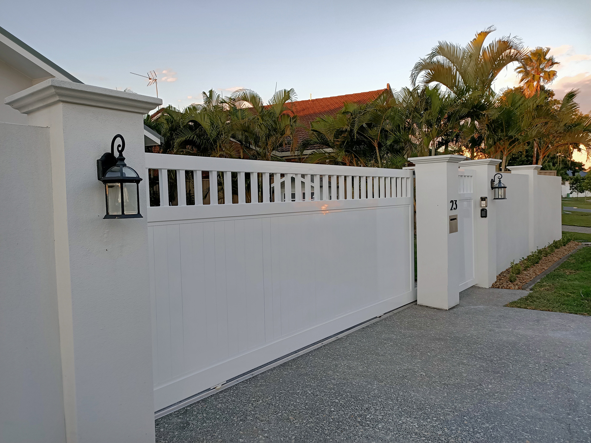 gatepost caps and fence capping gold coast Australia