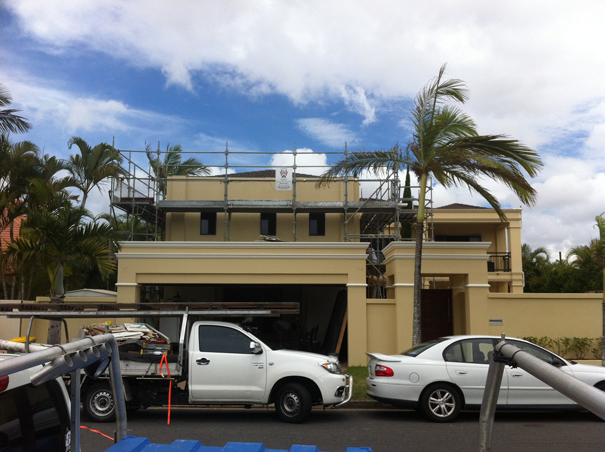 Mediterranean styled external wall features and entrance gold coast