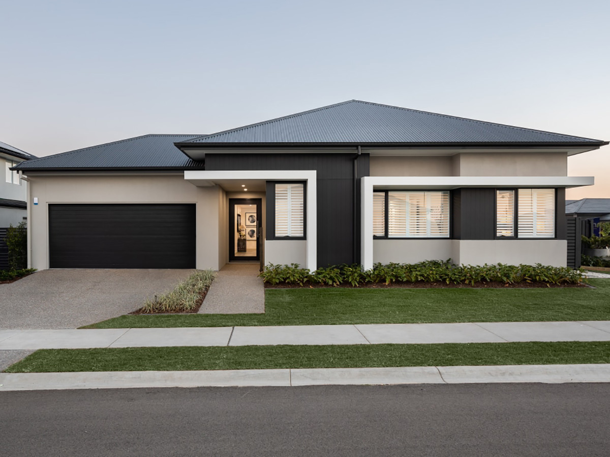 contemporary house outside wall features gold coast